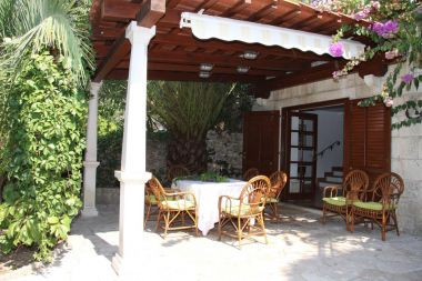 Vakantiehuizen Davor - relaxing and great location house : H(7+2) Sutivan - Eiland Brac  - Kroatië