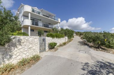 Apartementen Mil - 80m from the sea A1(4+1), A2(2+2) Sevid - Riviera Trogir